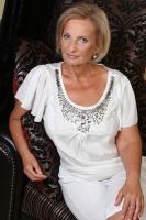 Rita a nyugalom szigetén masszázsra vár +3630-483-9232